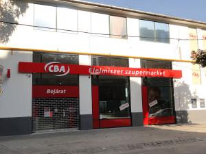 CBA-homlokzat-festés3
